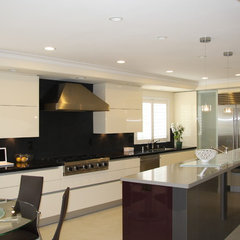 modern kitchen by Danenberg Design