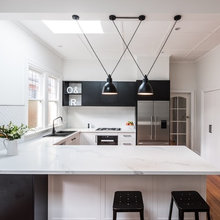 Stickybeak of the Week: Black and White Unite in a Kitchen Update