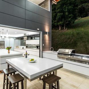Moderne Küche mit flächenbündigen Schrankfronten in Brisbane