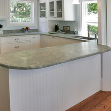 Traditional Kitchen by Dovetail Design