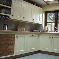 Traditional Kitchen by Britannia Joinery