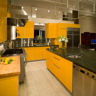 British Properties, Vancouver - Spicy Custom Modern Kitchen with a Pizza Oven