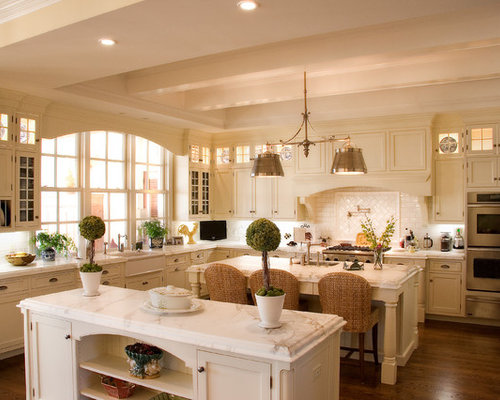 Traditional kitchen idea in Miami with a farmhouse sink