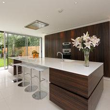 Contemporary Kitchen by Nicolas Tye Architects