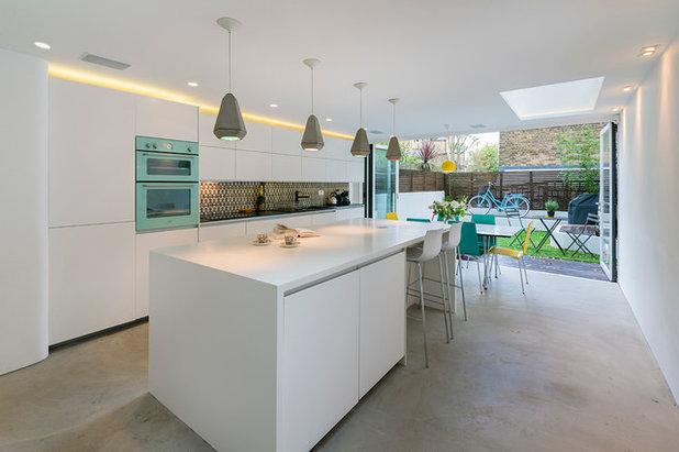 Comment valoriser l\'espace entre les placards de cuisine et le plafond ?