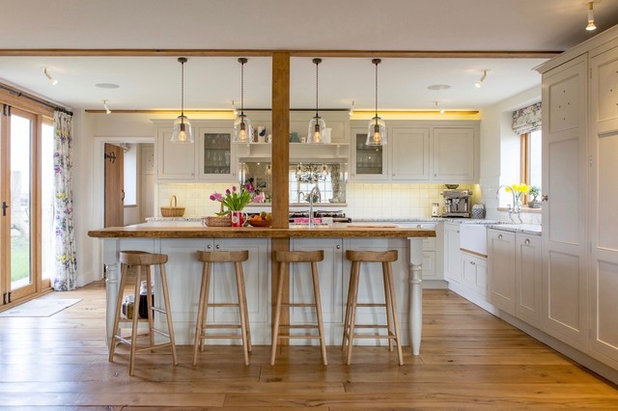 Country Kitchen by Walk Interior Architecture & Design