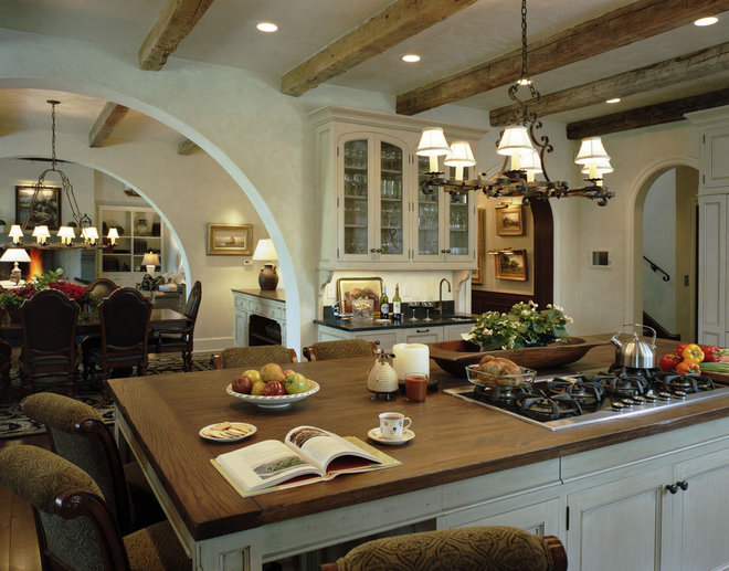 Rustic Kitchen by Summerour Architects