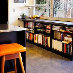Midcentury kitchen in Adelaide.