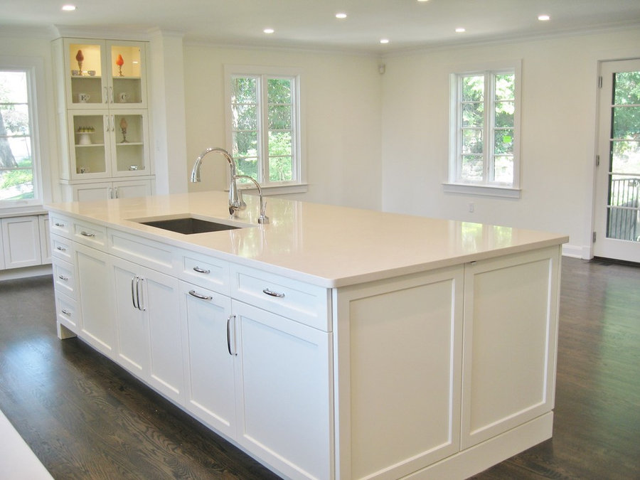 Bronxville Off-White Open Kitchen