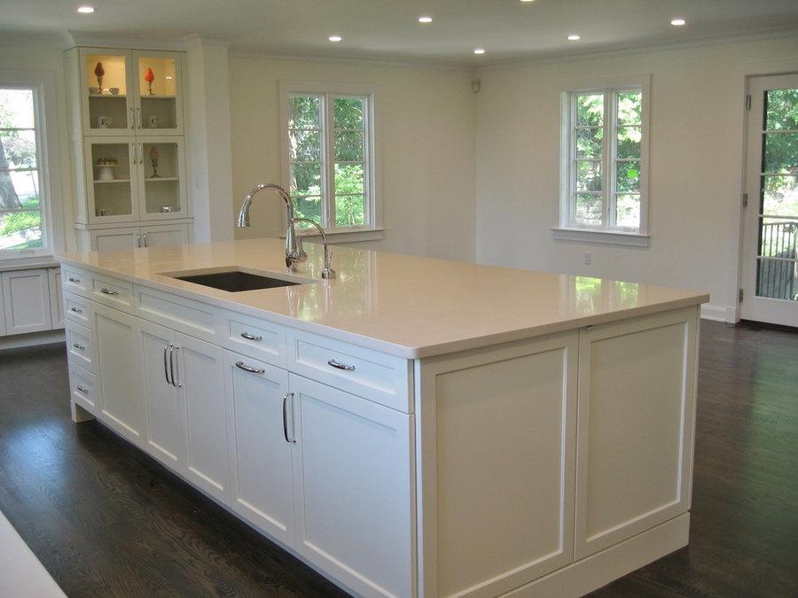 Bronxville Off-White Open Kitchen