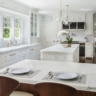 Inspiration For A Large Timeless L Shaped Dark Wood Floor Eat In Kitchen Remodel