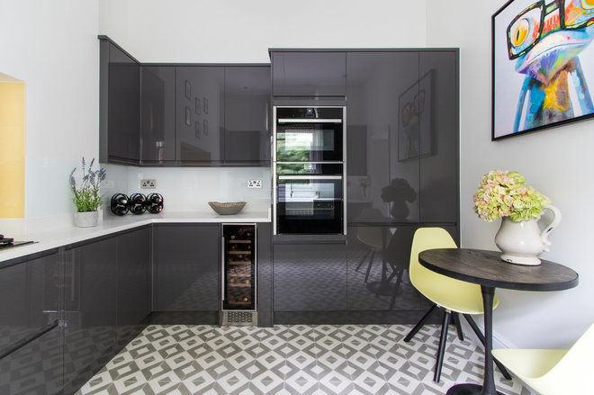 Contemporary Kitchen by Angus Pigott Photography