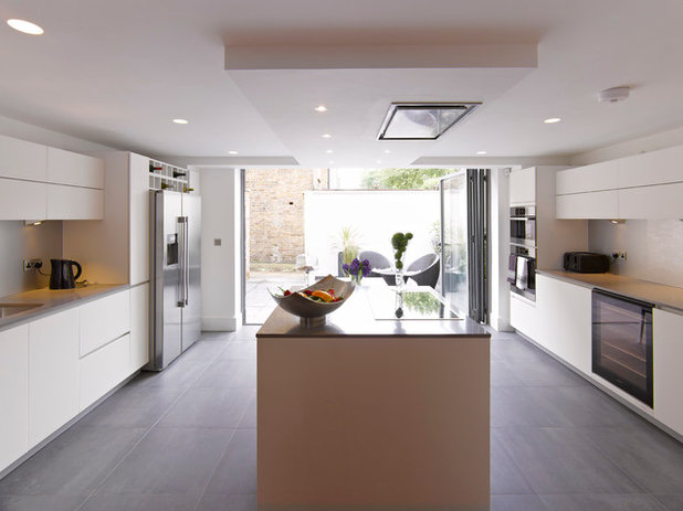 Contemporary Kitchen by NSI Design Ltd
