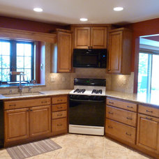 Traditional Kitchen by KITCHEN CENTER THE