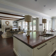 traditional kitchen by Castro Design Studio