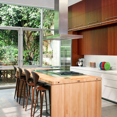 Modern Kitchen by BWArchitects (formerly Basil Walter Architects)