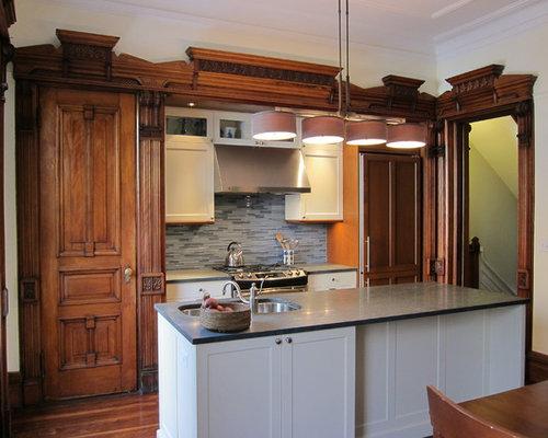 cuisine victorienne avec une cr dence en carreau briquette photos et id es d co de cuisines. Black Bedroom Furniture Sets. Home Design Ideas