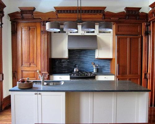 cuisine victorienne avec une cr dence bleue photos et id es d co de cuisines. Black Bedroom Furniture Sets. Home Design Ideas