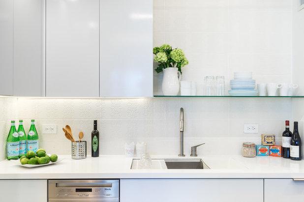 Modern Kitchen by Reverse Architecture