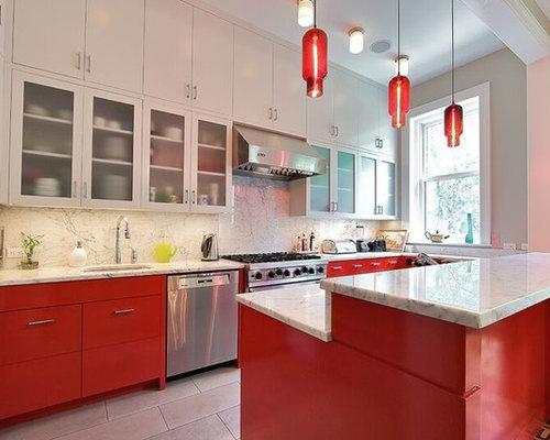 Cucina con ante rosse e top in marmo foto e idee per ristrutturare