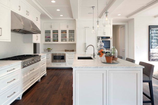 Traditional Kitchen by Elevation