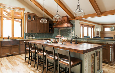 New This Week: 3 Beautifully Warm, Wood-Filled Kitchens