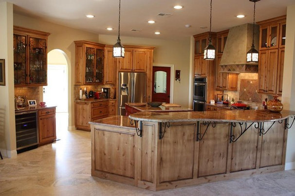 Traditional Kitchen by The Brocato Group