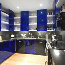 Modern Kitchen by JENDRETZKI LLC