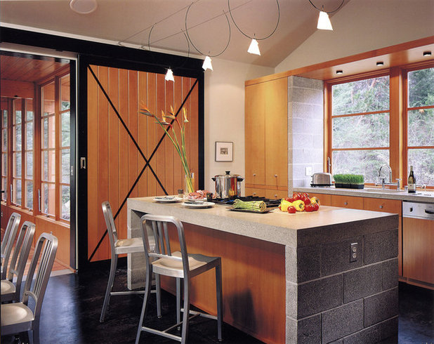 Rustic Kitchen by David Coleman / Architecture