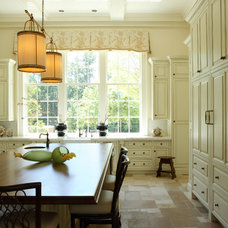 Traditional Kitchen by Dillard Pierce Design Associates