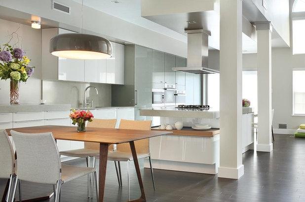 Contemporary Kitchen by YZDA | Yoshida + Zanon Design Atrium