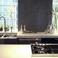 Modern Kitchen by Rebekah Zaveloff | KitchenLab