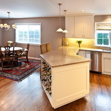 Traditional Kitchen by Merz & Thomas Design/Builders