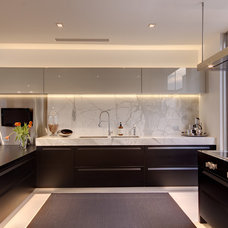 Modern Kitchen by Builtex Homes