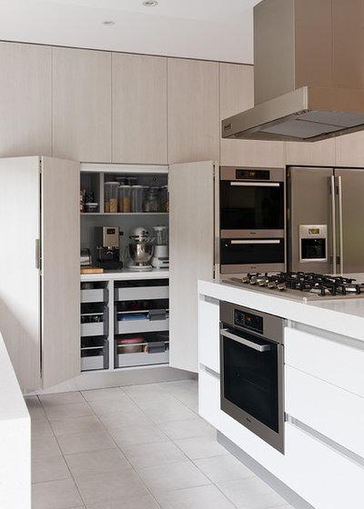 Moderno Cocina by Urban Kitchens