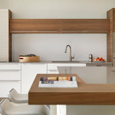 Modern Kitchen by Hobsons Choice