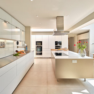 bulthaup b3 kitchen- Reflective Metals and Light Wood