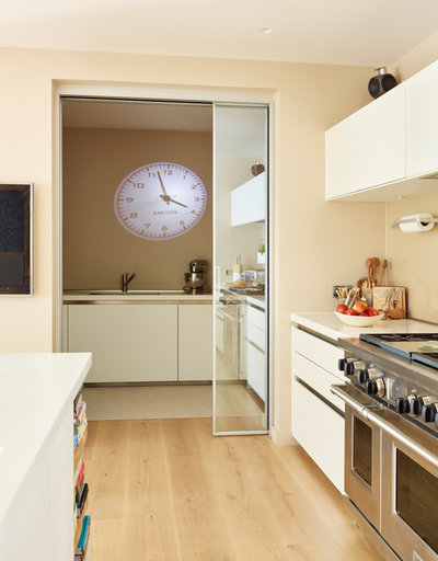Contemporary Kitchen by Hobsons Choice