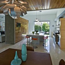 Modern Kitchen by Balfoort Architecture, Inc.