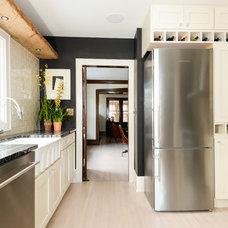 Eclectic Kitchen by JJ.Nicholson