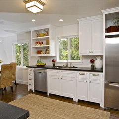 traditional kitchen by Lisa Benbow - Garnish Designs