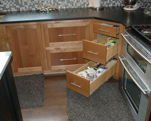 45 degree kitchen corner kitchen design ideas remodel pictures houzz - Kitchen design degree ...
