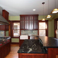 Traditional Kitchen by Design Build 4U Chicago