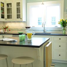 Kitchen by Craftsman Design and Renovation