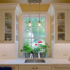 Traditional Kitchen by Matt Dirksen