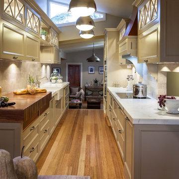 Burleigh Heads Hampton Style Kitchen