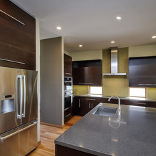 Modern Kitchen by CleverHomes presented by Toby Long Design