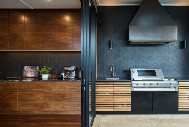 ミッドセンチュリー キッチン by Rogan Nash Architects Ltd