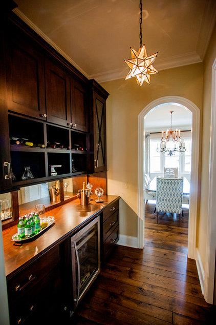 Contemporary Kitchen by Savvy Interior Design