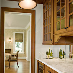 traditional kitchen by Mockler Taylor Architects